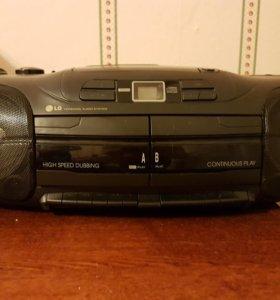 Кассетный и CD проигрыватель