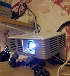LED проектор Acer K132