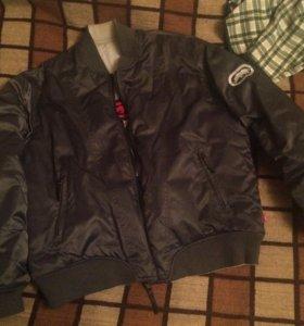Куртка L (Ecko Unltd)
