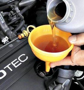 Замена масла в двигателе.