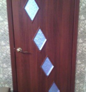 Дверь.