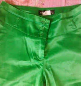 Продаю яркие брюки