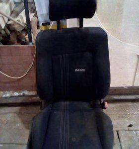 Сиденья для VW пассат B- 3