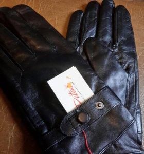 Новые перчатки, кожа.