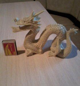 Статуэтки драконов