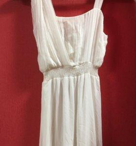 Платье белое шикарное