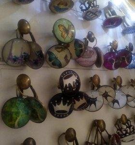 Гребни, кольца, серьги, комплекты.
