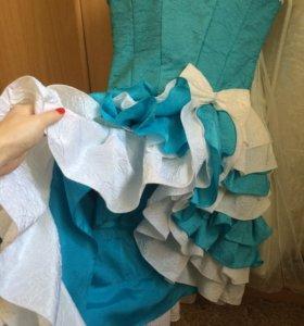 Платье на девочку возраст 7-9 лет