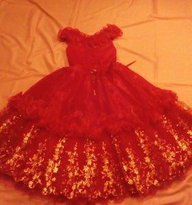 Детское нарядное платье.