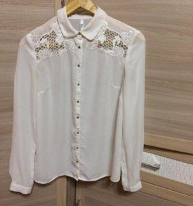 Белая шифоновая блузка с кружевом