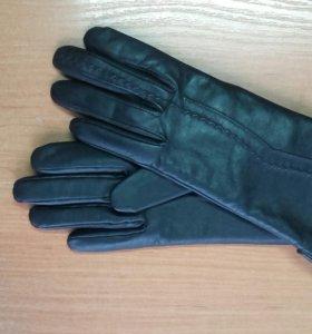Новые женские перчатки.