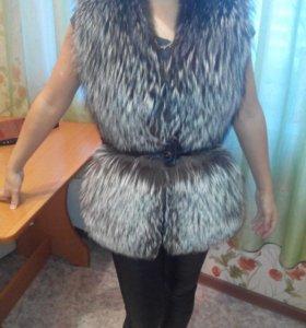 Меховая куртка-желетка