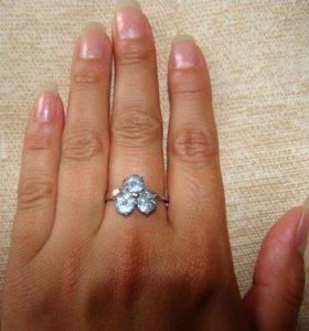 Кольцо с гол.топазом.Серебро 925.