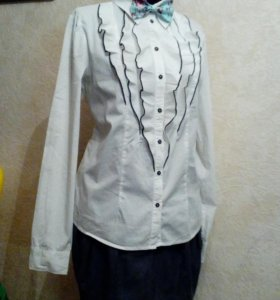 Рубашка белая с жабо L