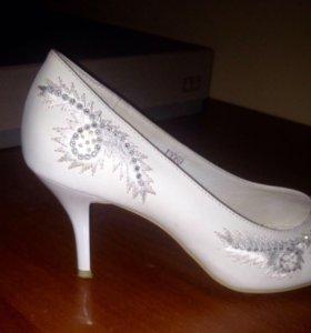 СРОЧНО (!) продам туфли