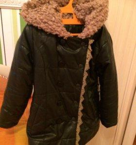 Пальто для девочки р-р 28 демисезонное