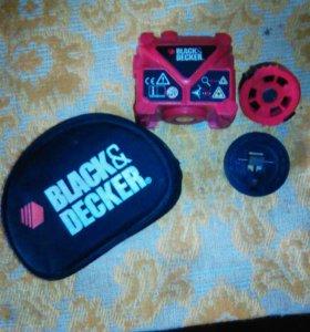 Компактный лазерный уровень фирмы Black&Decker