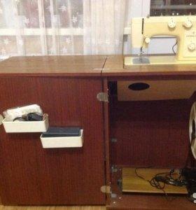 Швейная машинка(Чайка 142м)