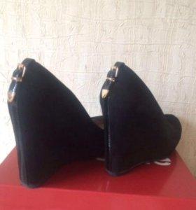 Туфли замшевые новые женские