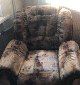 Продам диван и кресло б/у