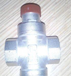 Регулятор давления воды 3/4 Itap.