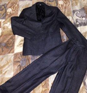 Костюм: пиджак с брюками