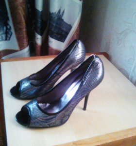 Туфли- басаножки на каблуке блестящие
