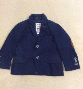 Пиджак на мальчика 1-1,5 года