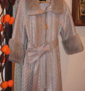 Кожаное пальто с отделкой из голубой норки
