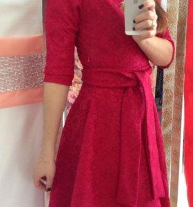 Платье Дама гипюр на трикотаже