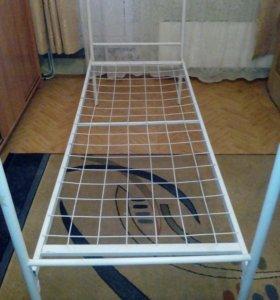 Кровати 4 шт б/у