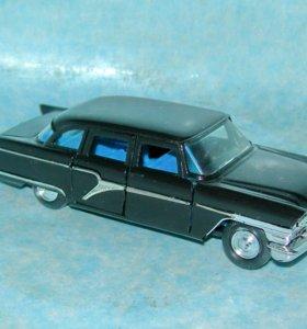 Коллекционные модели советских машин  Чайка