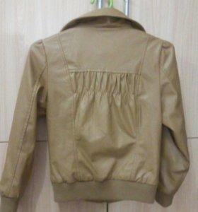 Куртка ( эко кожа)осенняя