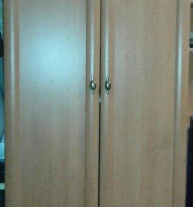 Плательный шкаф