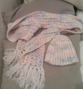 Шапка и шарф.