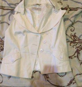 Блузка жилетка.