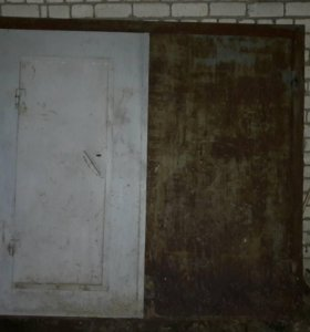 Металлическая дверь и ворота