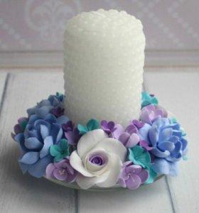 Свеча с цветами из полимерной глины