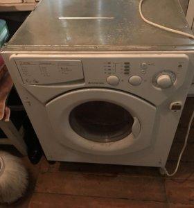 Встраиваемая стиральная машинка Аристон