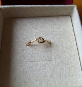 Кольцо золото бриллиант