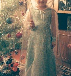 Продам новогодний костюм снежная королева