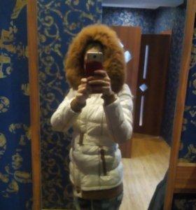 Теплая,зимняя куртка.