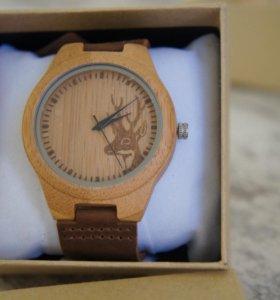 Деревянные часы с ремешком из натуральной кожи