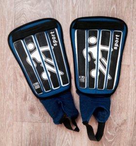 Футбольные щитки для ног