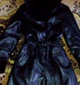 """Пальто """"под кожу"""" теплое."""