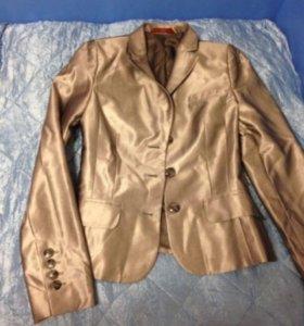Женский металлизированный пиджак размер 44-46