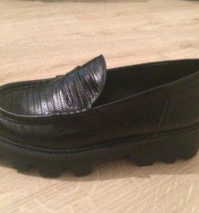 Женские ботинки 38 АSH новые