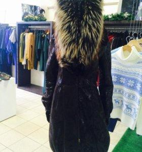 Шикарная дубленка Mondial с мехом лисы