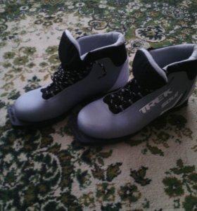 Ботинки лыжные,40 размер