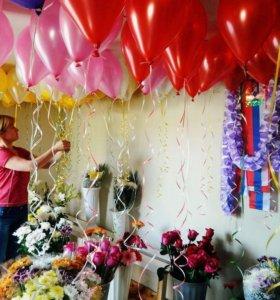 Шары, игрушки из шаров, живые цветы